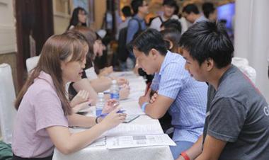 Muốn có lương cao, dân IT cần học thêm ngoại ngữ