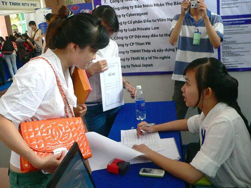 Nhiều nhà tuyển dụng chê sinh viên giao tiếp kém