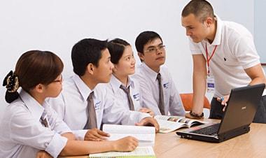 Học ngôn ngữ Anh sau khi ra trường sẽ làm những công việc gì
