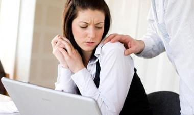 Cách xử trí khi bị quấy rối tại nơi làm việc