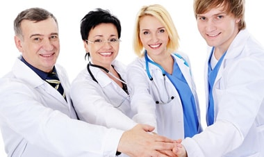 Nên chọn ngành y hay ngành dược trong năm Mậu Tuất 2018