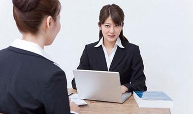 Dấu hiệu người phỏng vấn không thích bạn