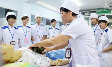 Thi tuyển điều dưỡng, hộ lý sang Nhật Bản làm việc